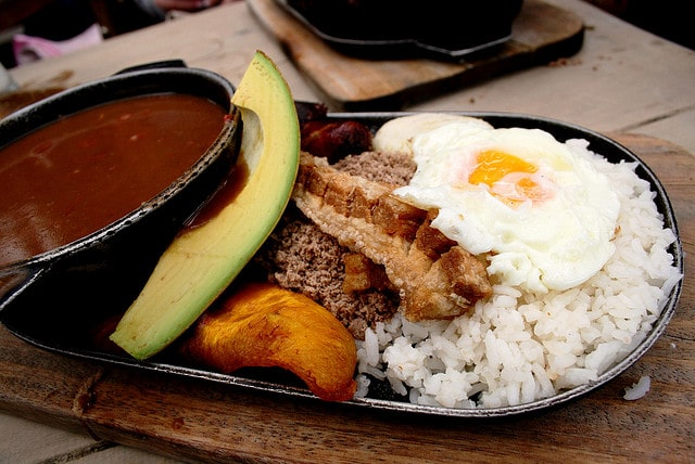 #FoodPorn: Traditional Bandeja Paisa In Colombia