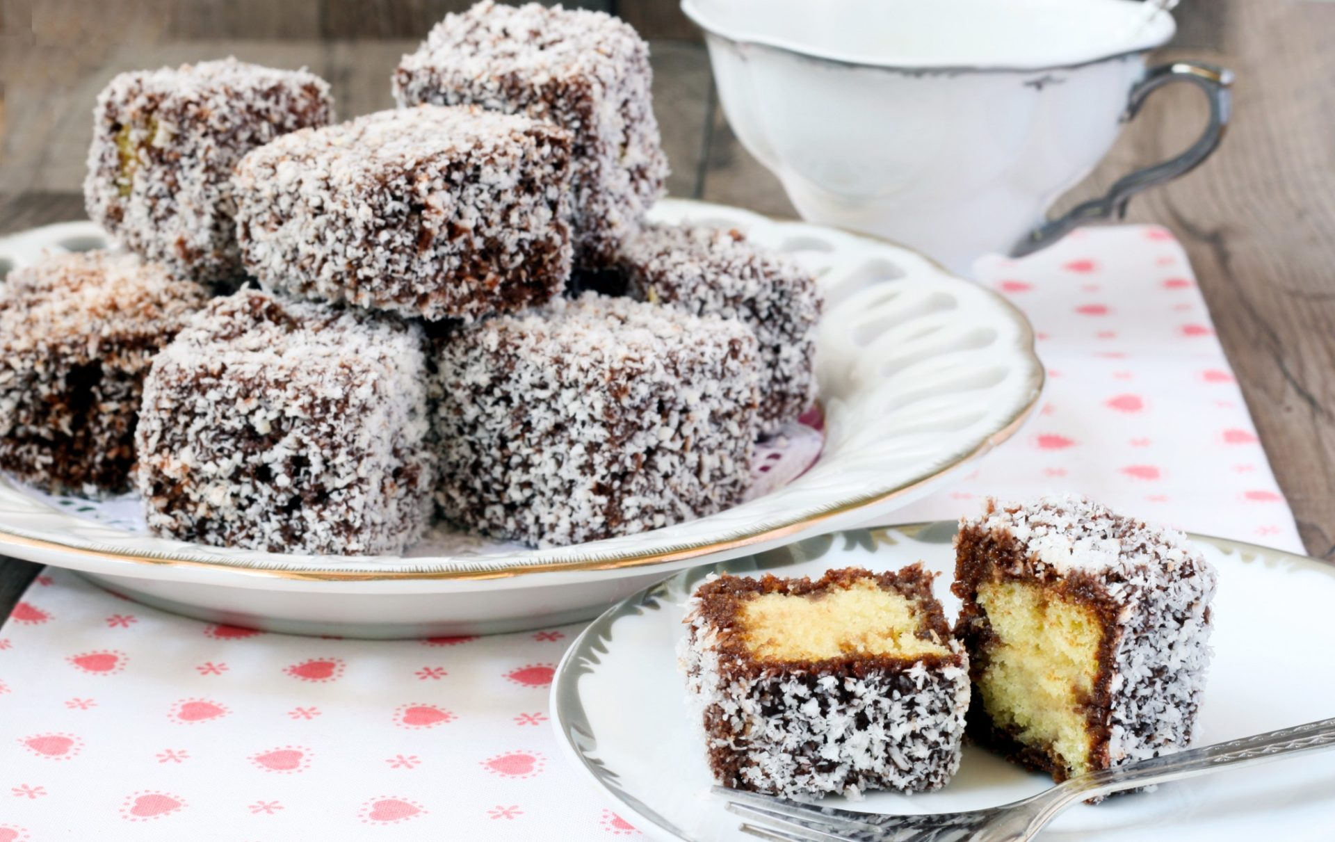 Sweet australia what is the lamington epicure for Australian food cuisine