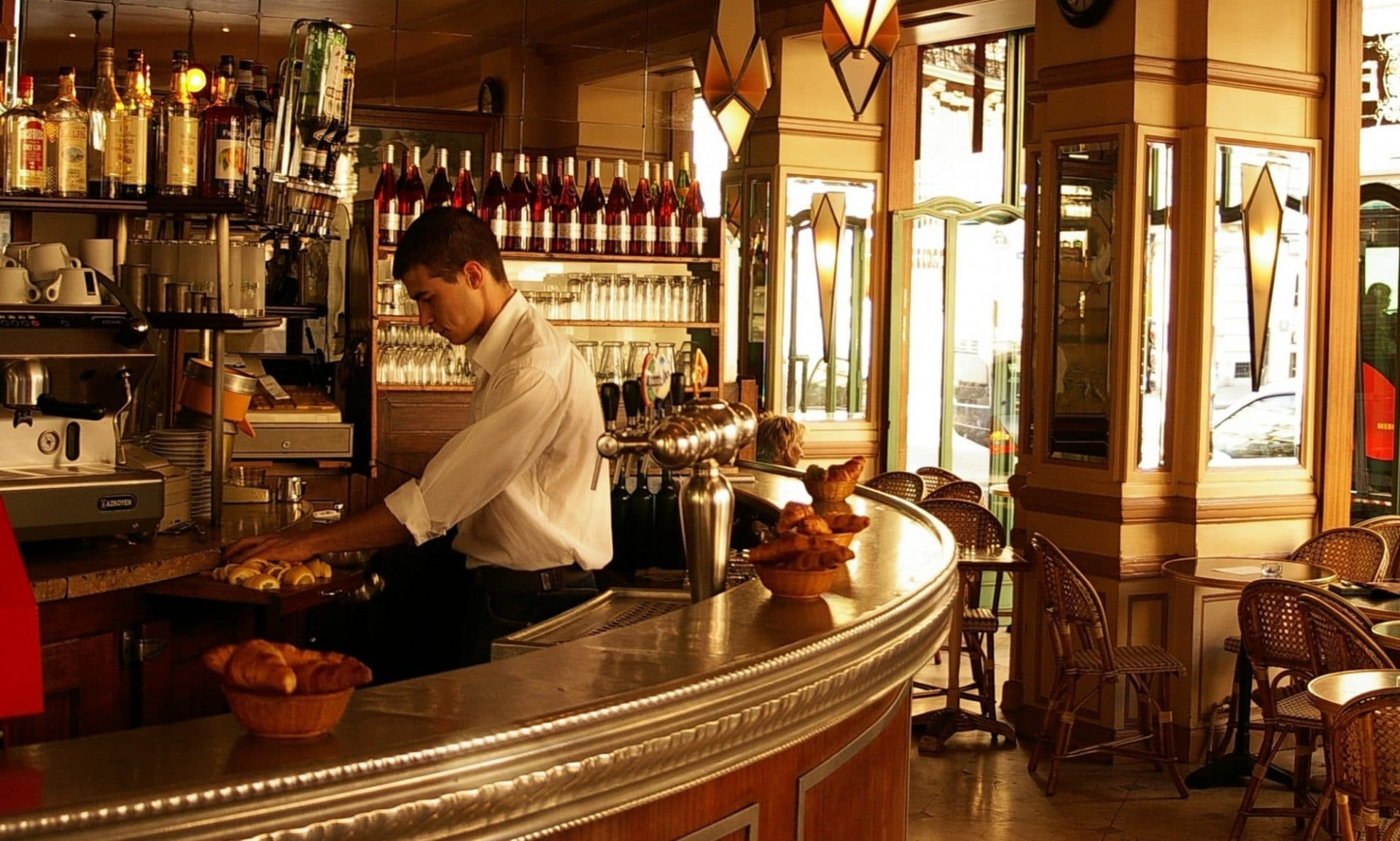 Worth The Buzz Top Five Wine Bars In Paris France
