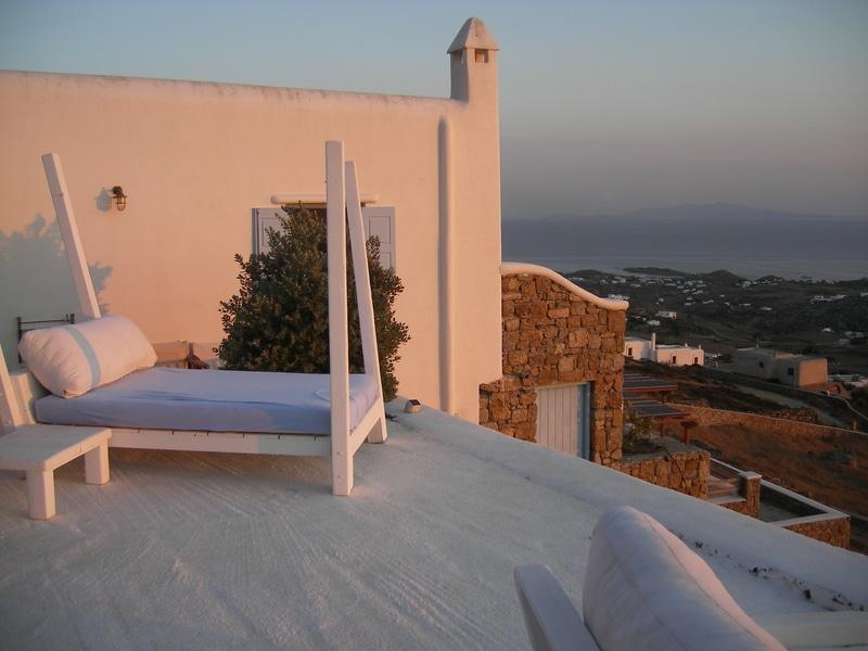 rsz_romantic_villa_mykonos_greece