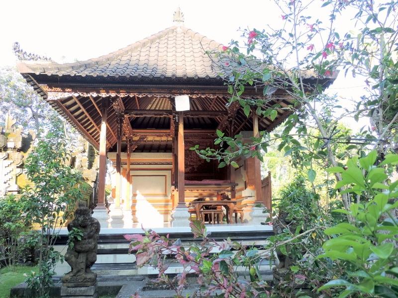 rsz_temple_gianyar_indonesia